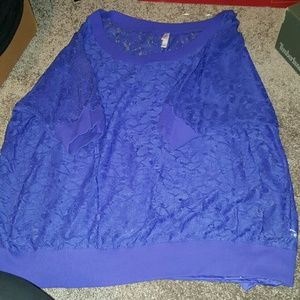 Worn once quarter sleeve top